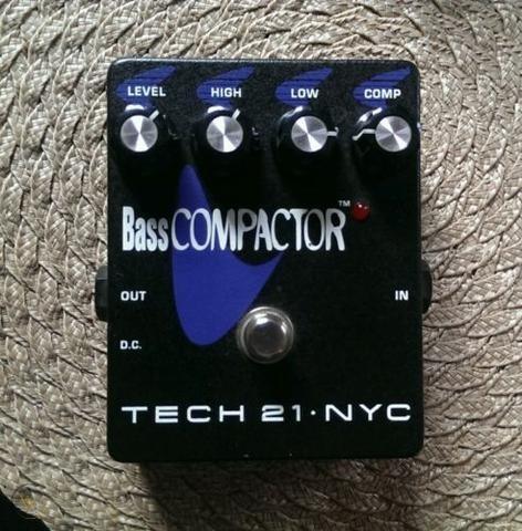 tech-21-bass-compactor-compressor_360_a4029a3fc726218ea86f17d4d2666023